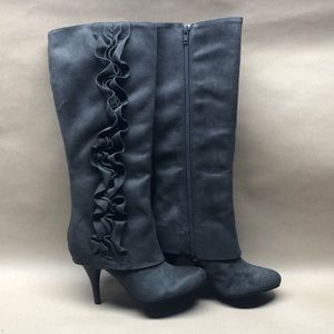 ~NWT~ Fergie Boots- Party Favor Grey